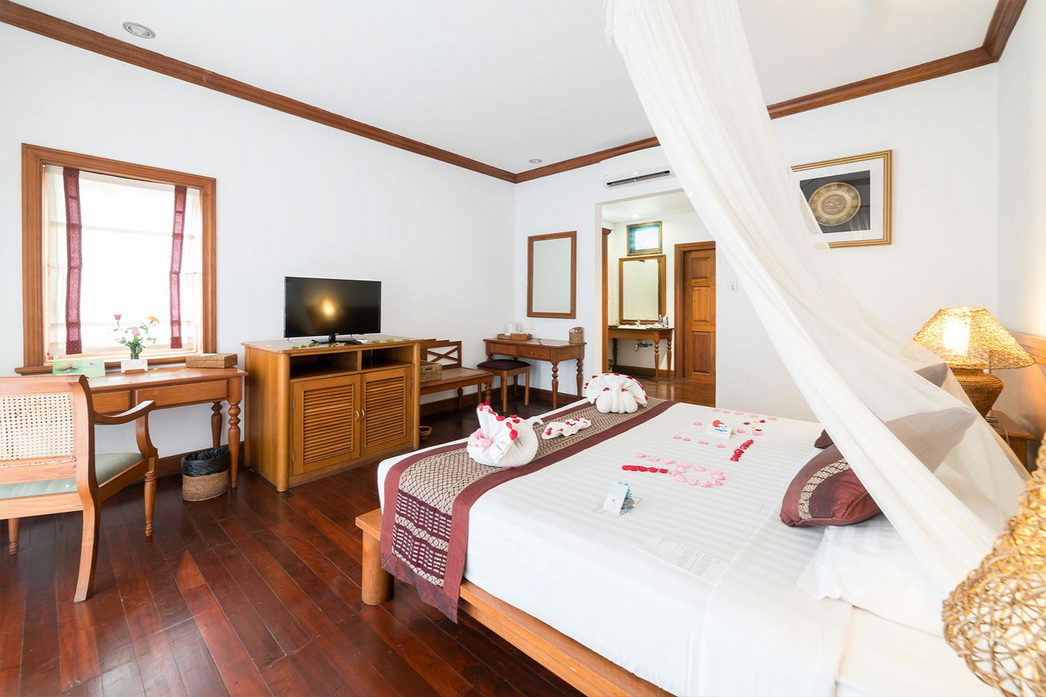 Hotels in ngwesaung, 5 star hotels in ngwe saung